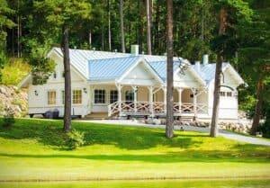 Kommodorin rantahuvila / Villa Wolax